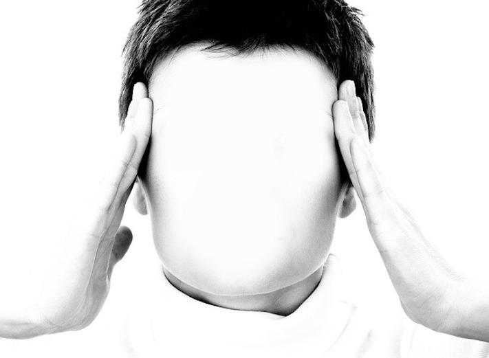 Eine Anleitung für Social Media, ein Bild von sich und eine Tüte über'm Gesicht……..